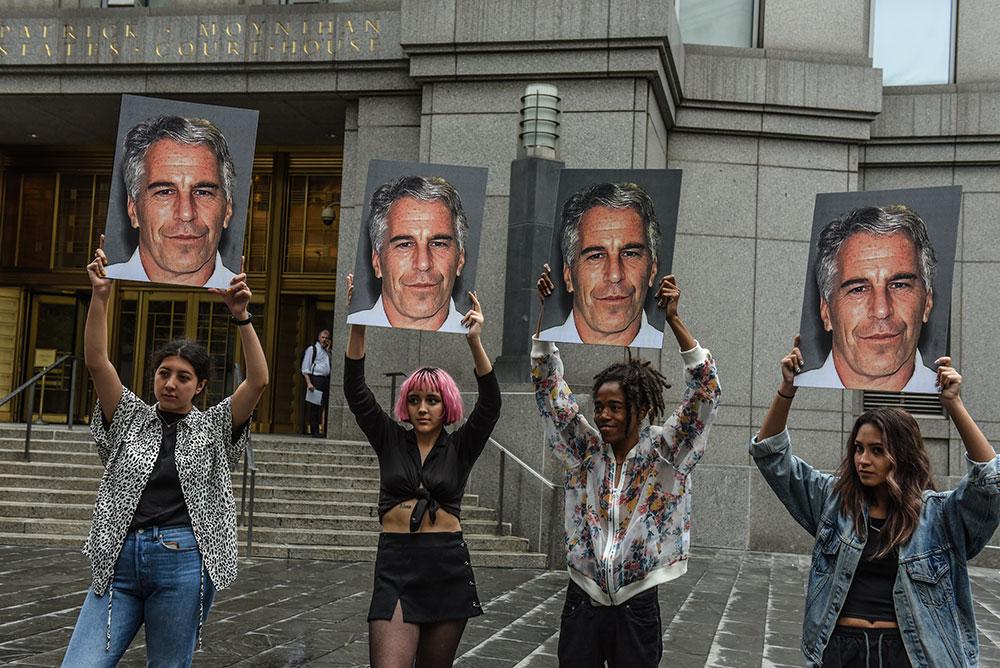 Epstein autopsié, spéculations et théories du complot font rage