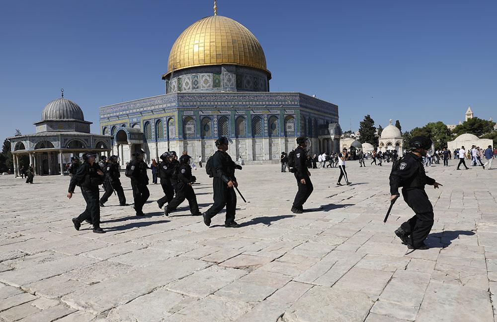 Heurts sur l'esplanade des Mosquées à Jérusalem, des dizaines de blessés
