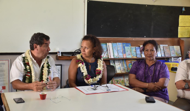 Tournée des établissements pour le vice-recteur de la Polynésie française, Philippe Couturaud et la ministre de l'Education, Christelle Lehartel, à la veille de la rentrée.