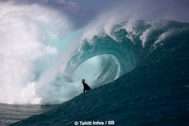 Ryan Gallina, Hawaiien résident à Teahupo' depuis des années...