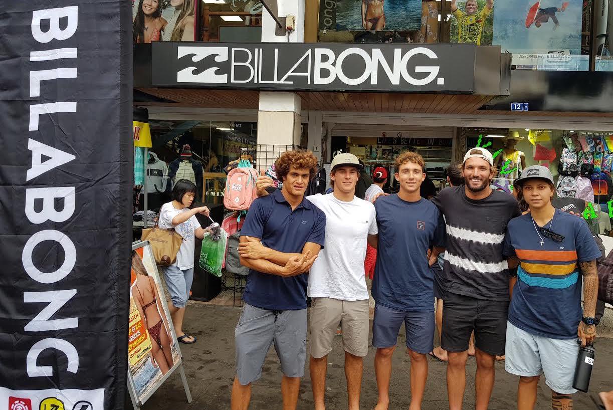 Les surfeurs du Team Billabong à Papeete