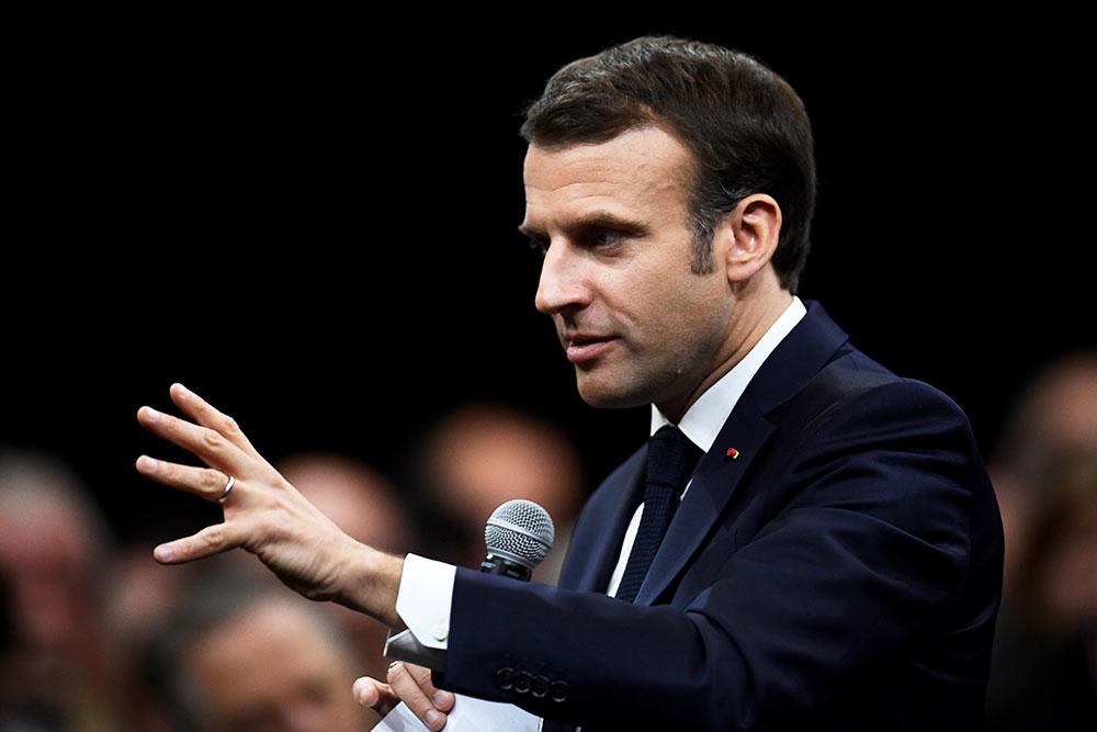 """Brexit : Macron juge possible une solution d'ici 30 jours """"dans le cadre de ce qui a été négocié"""""""