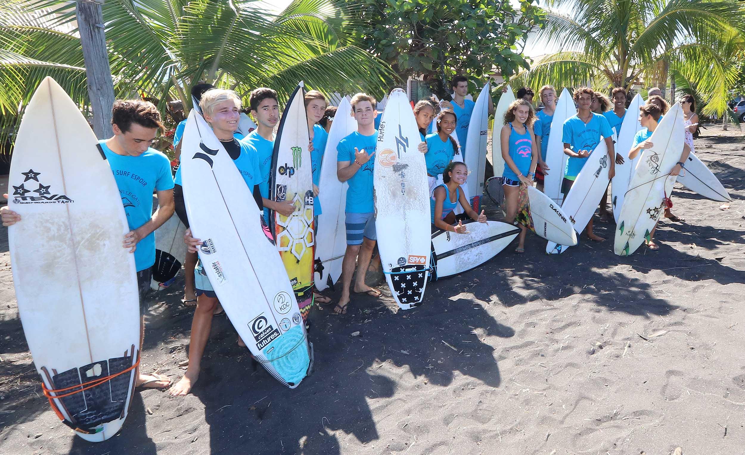 """Le """"Clairefontaine du surf"""" inauguré à Papara"""