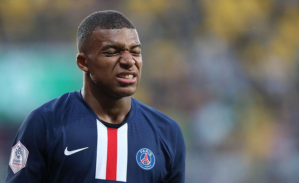"""L1: """"4 semaines"""" d'absence pour Mbappé, forfait pour les Bleus et la C1, confirme le PSG"""