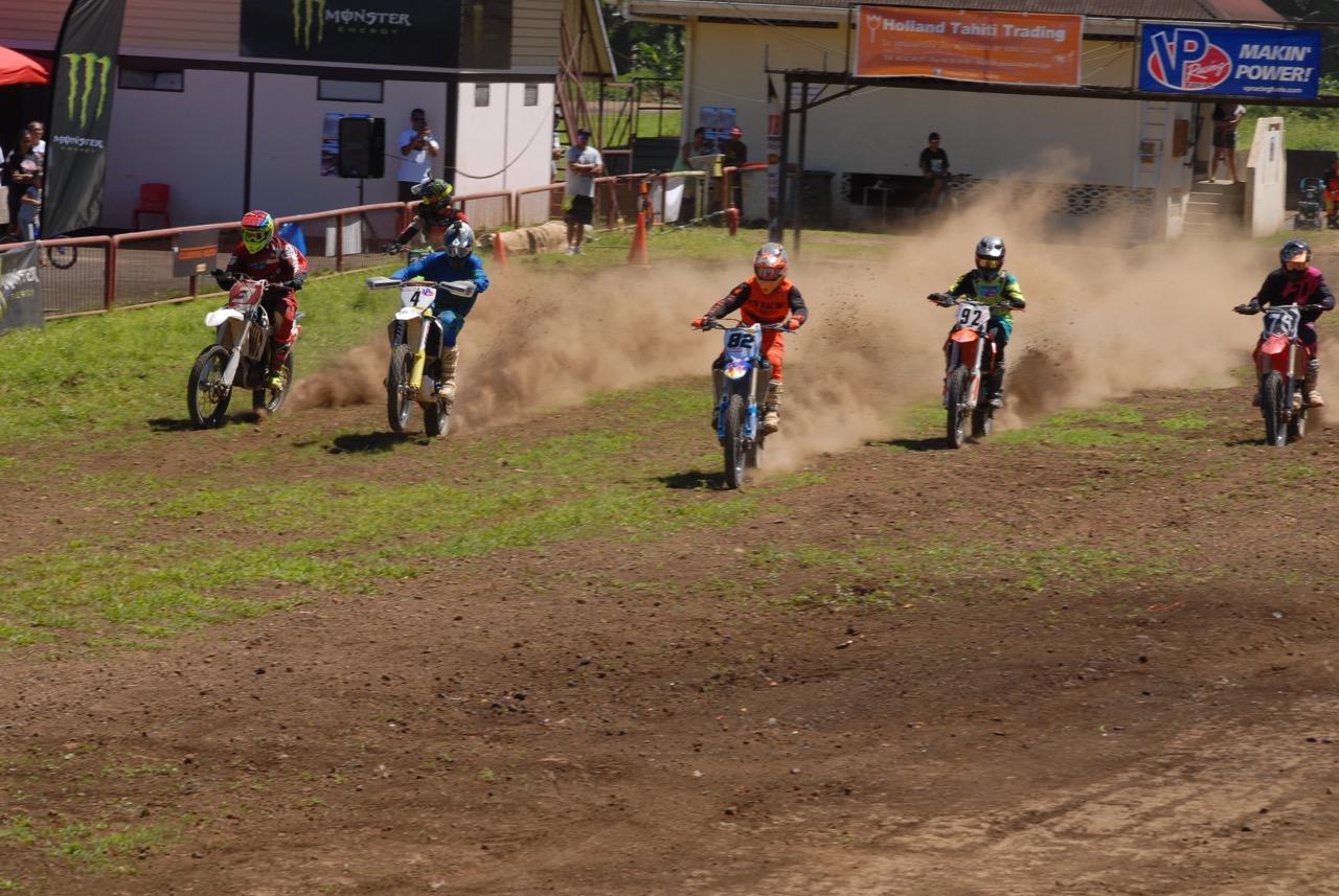 Le départ de la catégorie MX1-MX2