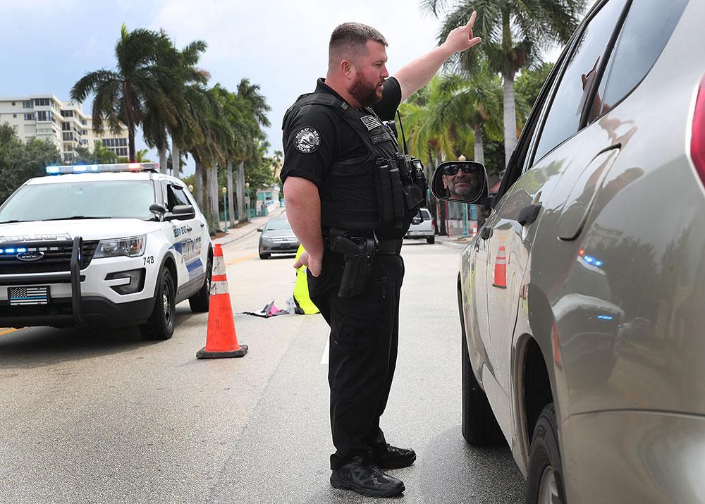 Sur la côte des Etats-Unis, après des jours d'incertitude autour du trajet de l'ouragan, plusieurs Etats du sud-est (Floride, Géorgie, Caroline du Sud) ont finalement ordonné l'évacuation de centaines de milliers de résidents.