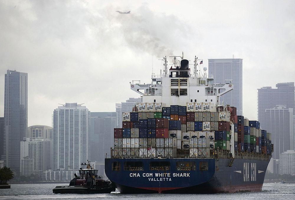 Transport maritime: des carburants moins polluants qui vont faire grimper les prix à la pompe