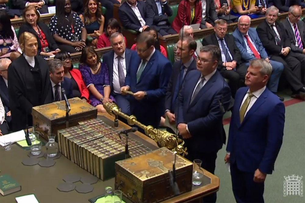 Boris Johnson prépare des élections anticipées après une défaite au Parlement