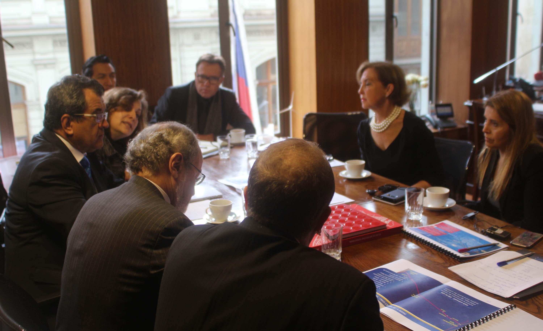 Câble : Fritch reçu par la ministre chilienne des télécommunications