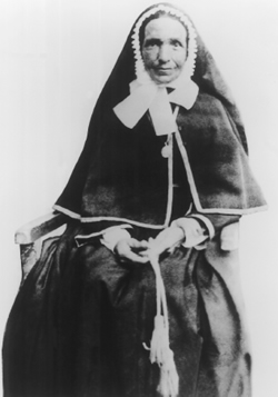 Une demoiselle Marie-Françoise Perroton, Lyonnaise, âgée de quarante-huit ans, s'embarqua aux côtés d'Auguste Marceau pour évangéliser les petits Océaniens.