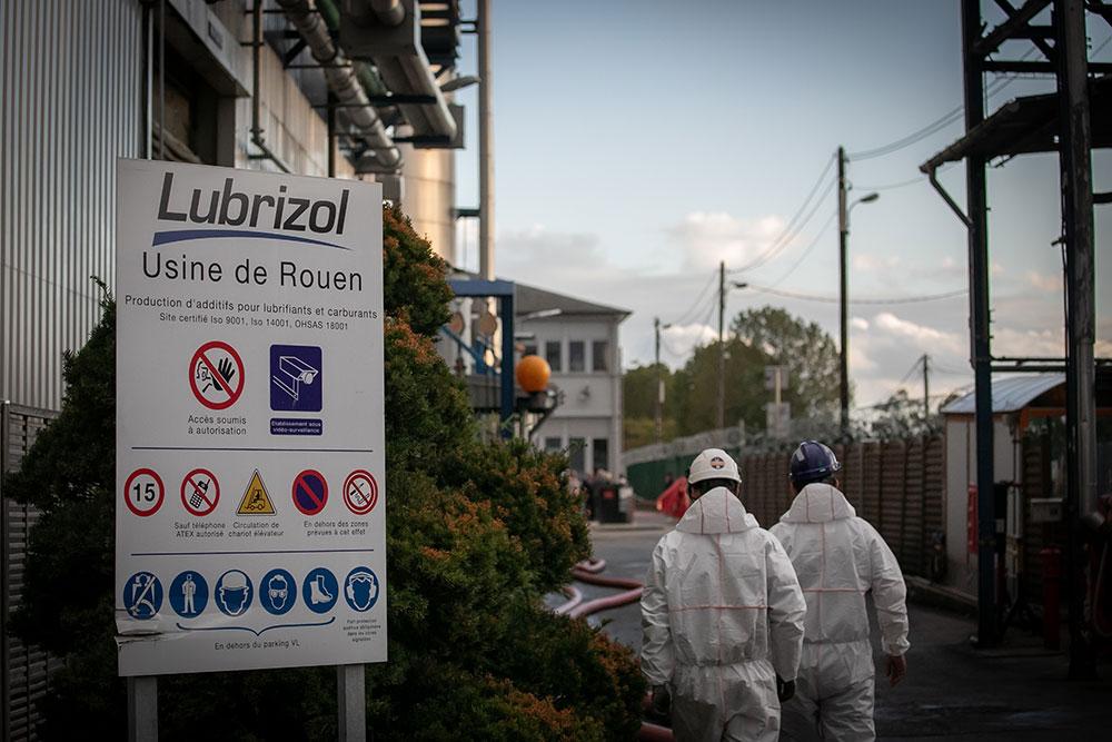 Incendie de Rouen: le gouvernement promet la transparence totale
