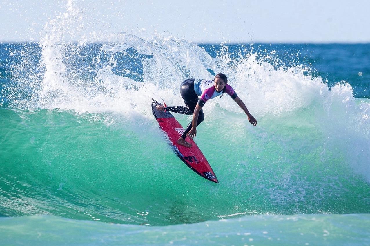 Vahine Fierro a fait parler son surf backside