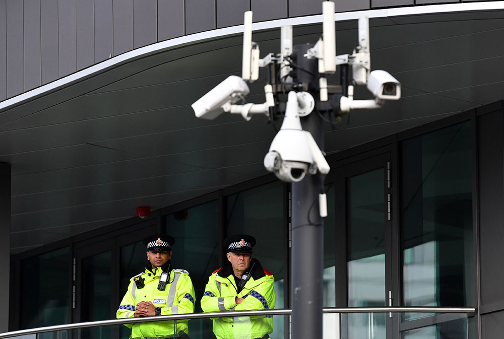 GB: plusieurs blessés dans une attaque au couteau à Manchester, la police antiterroriste saisie