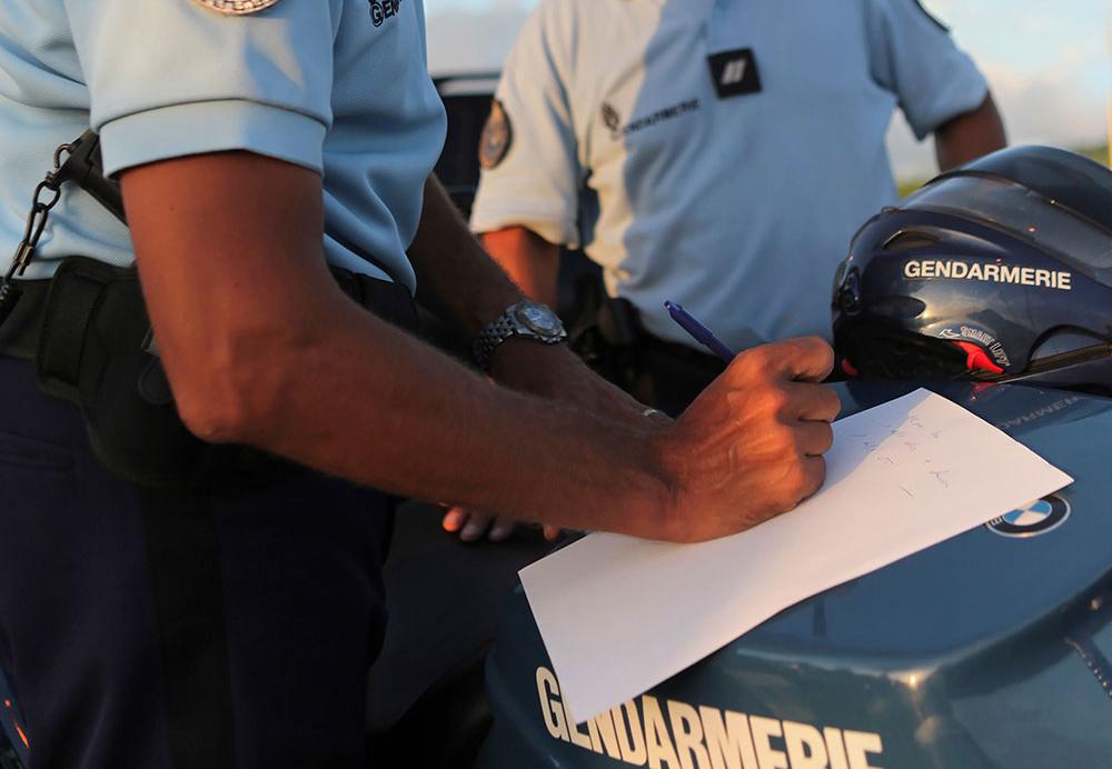 Martinique: un policier placé en détention