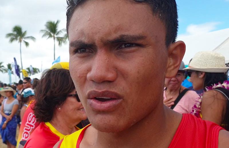 Shell va'a survole sa 12ème Molokai