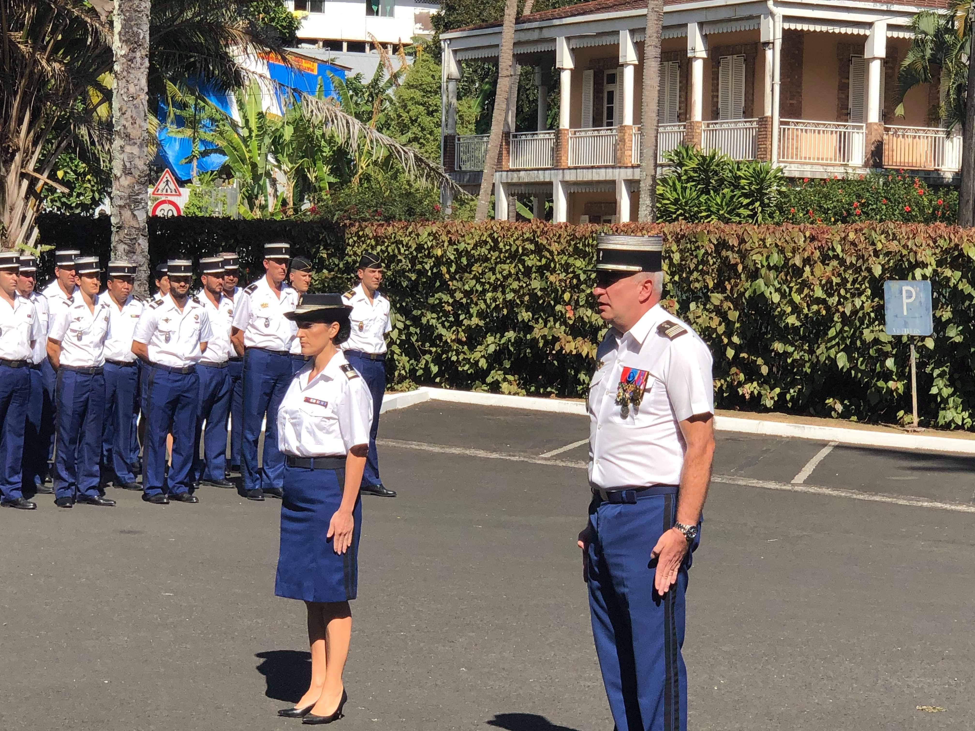 Le colonel Frédéric Boudier a officiellement installé mardi le nouveau commandant de la Section de recherches de Papeete, le lieutenant-colonel Christelle Tarrolle.