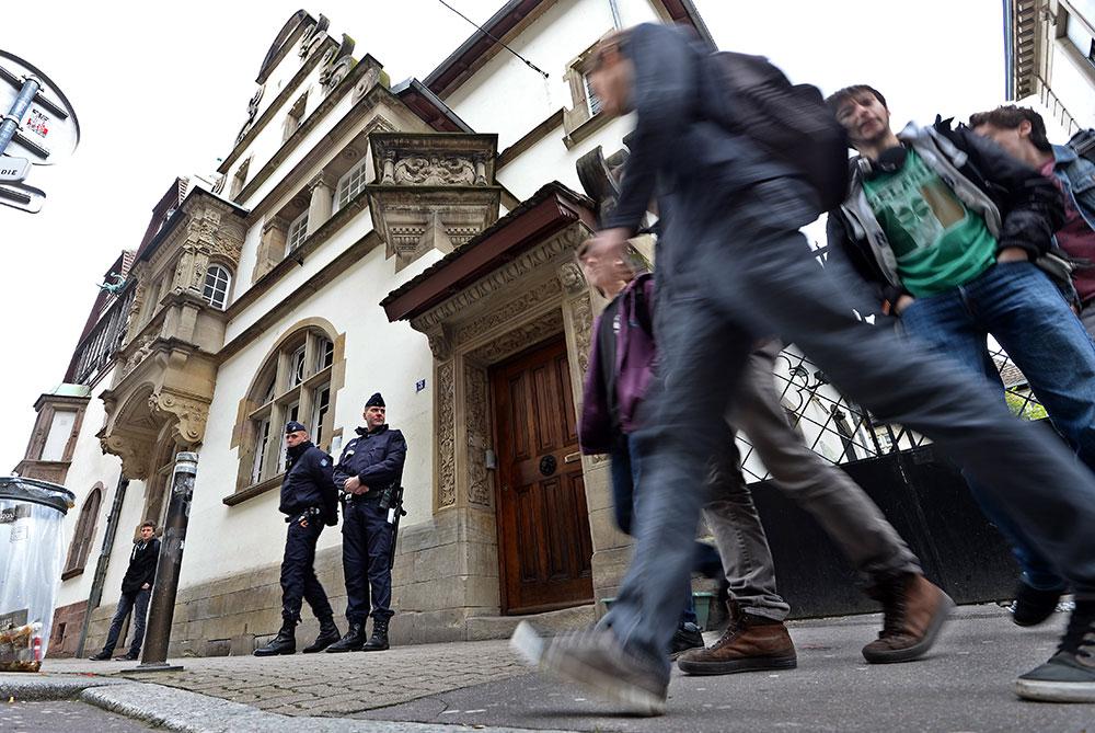 """Strasbourg: opération """"collège mort"""" après une intrusion et des menaces"""
