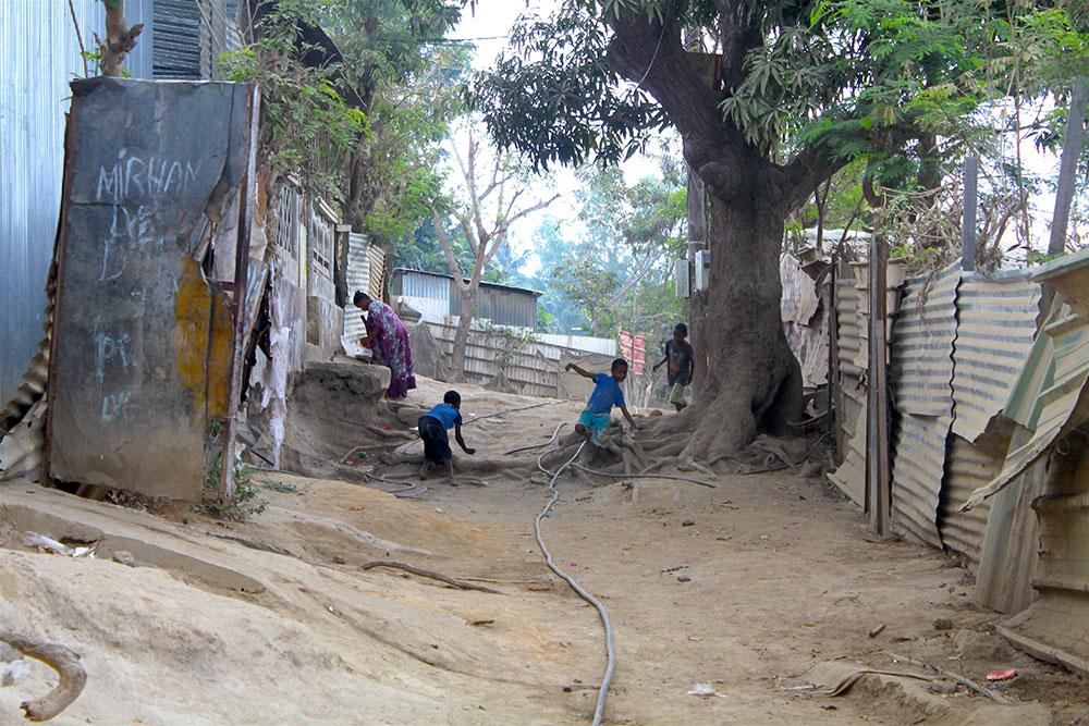 A Mayotte, 3 enfants chutent mortellement dans un puits