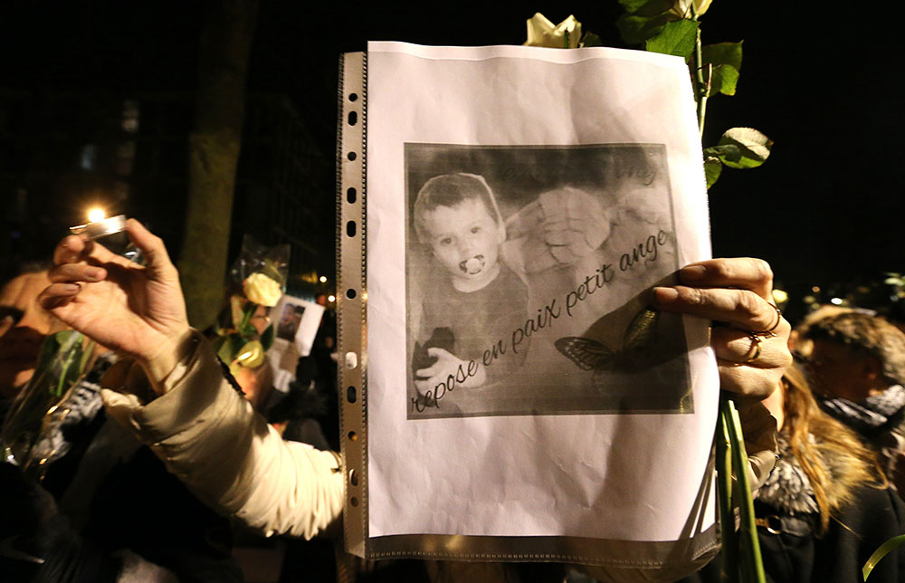 """Mort de Tony à Reims, frappé par son beau-père: un voisin jugé pour """"non-dénonciation de mauvais traitements"""""""