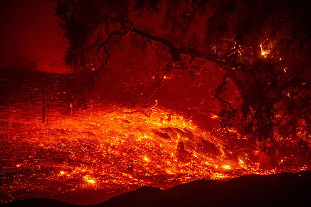 La saison des incendies bat son plein en Californie, des milliers de personnes évacuées