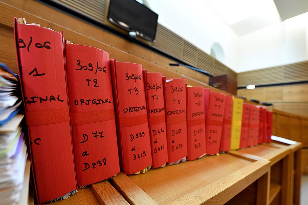 """""""Epidémie"""" d'absences chez les témoins au procès Chossat, le repenti"""" corse"""
