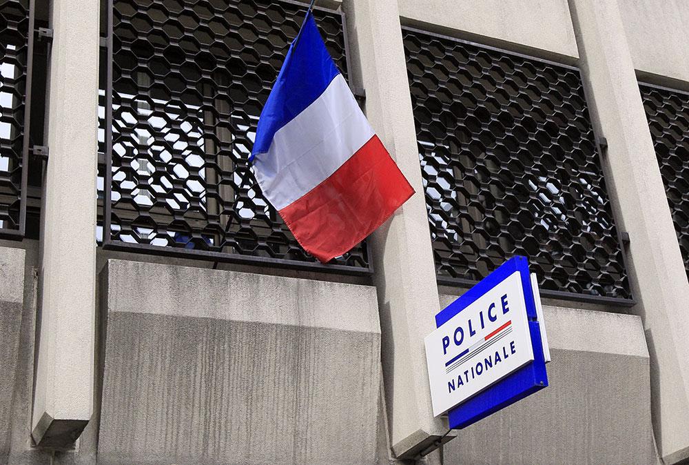 La Réunion: l'agresseur au couteau dans un commissariat maintenu en garde à vue