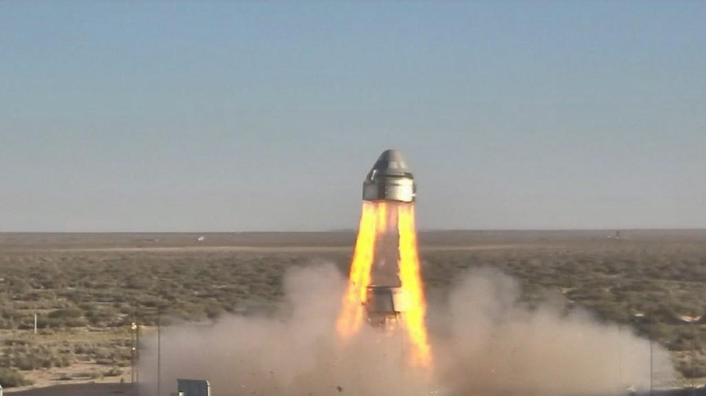 Problème de parachute lors du test d'éjection de la capsule spatiale de Boeing