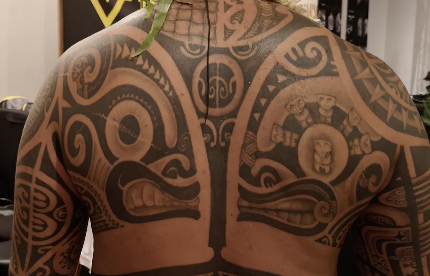 Différents styles de tatouages sont représentés pour cette convention.