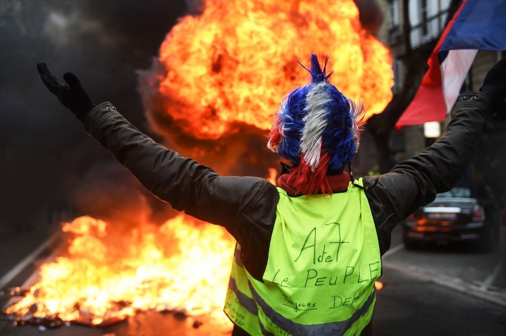 """Pour l'anniversaire du mouvement, les """"gilets jaunes"""" espèrent remobiliser la rue"""