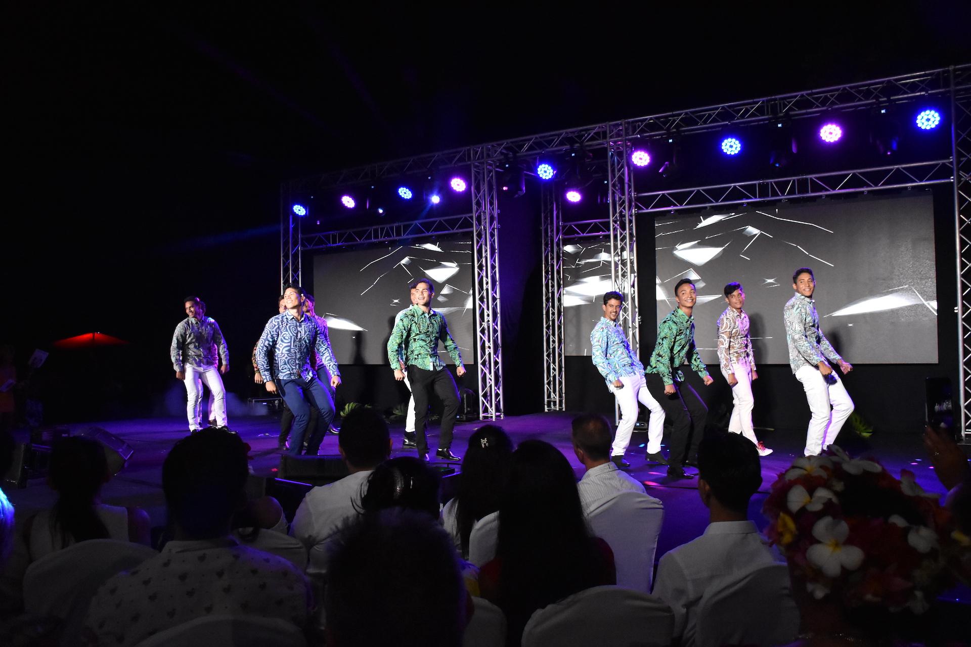 Les 12 prétendants à l'écharpe de Mister Tahiti 2019 ont assuré le spectacle pendant plus de trois heures.