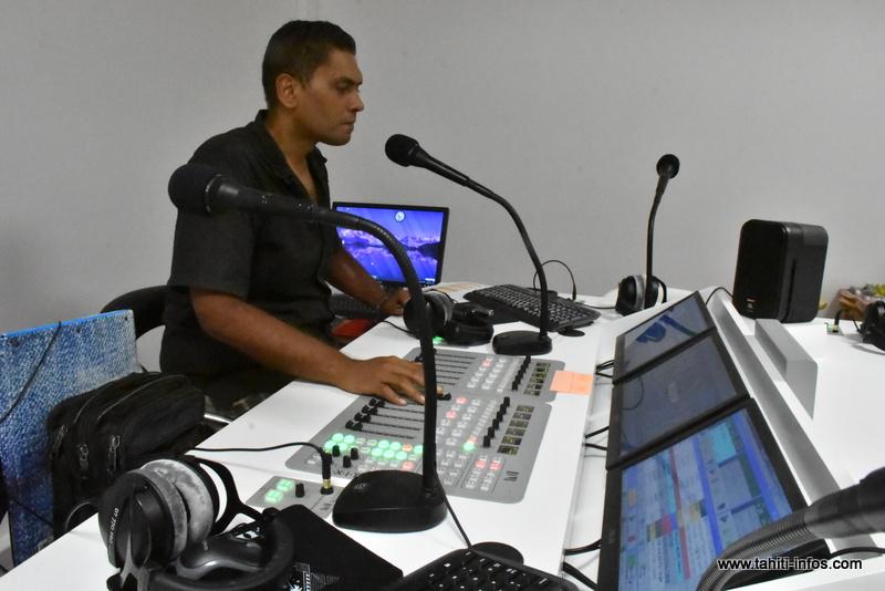 Yannick animateur de la matinale de Api FM.