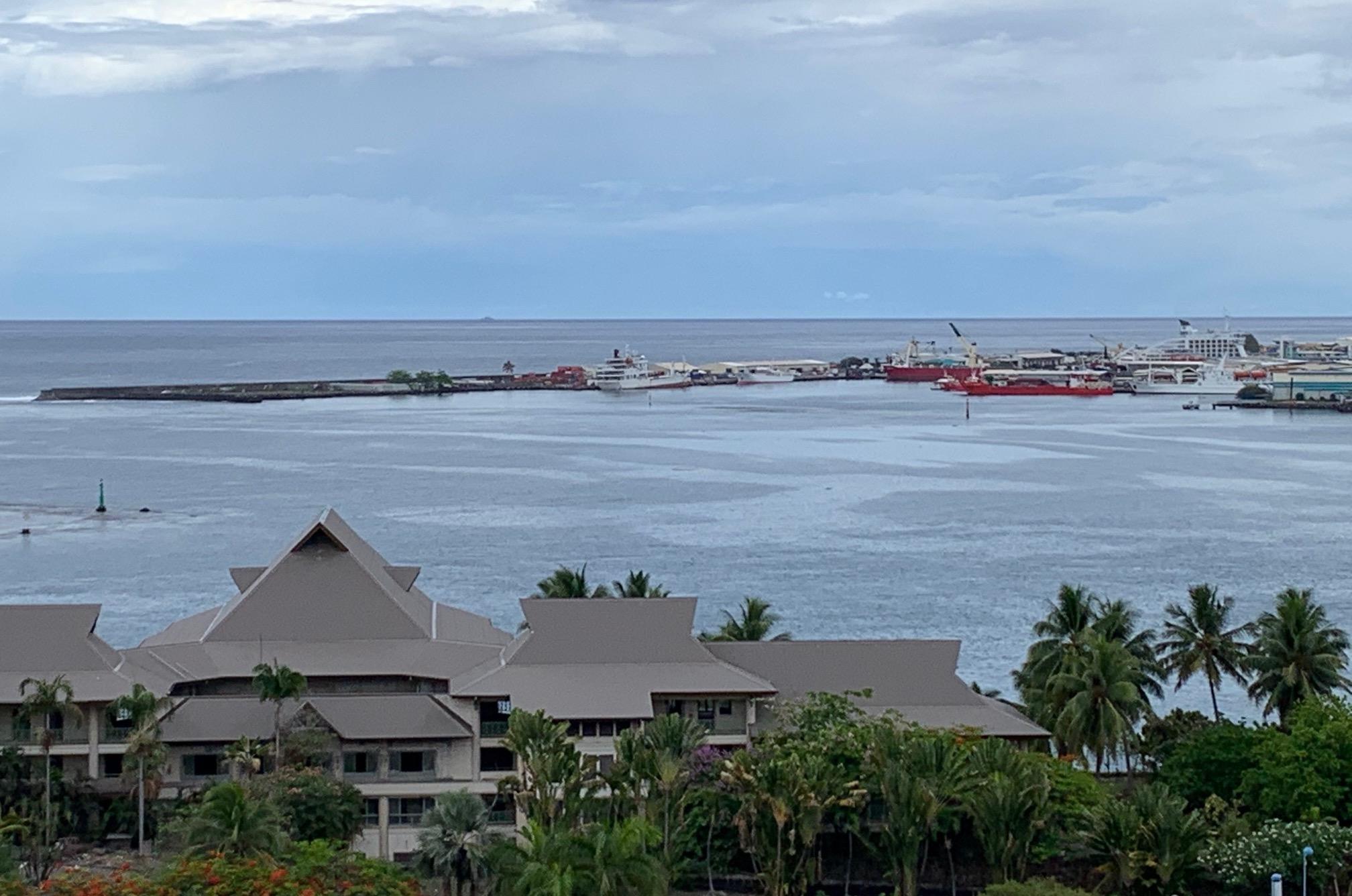 Le Cobia II secouru devant le port de Papeete