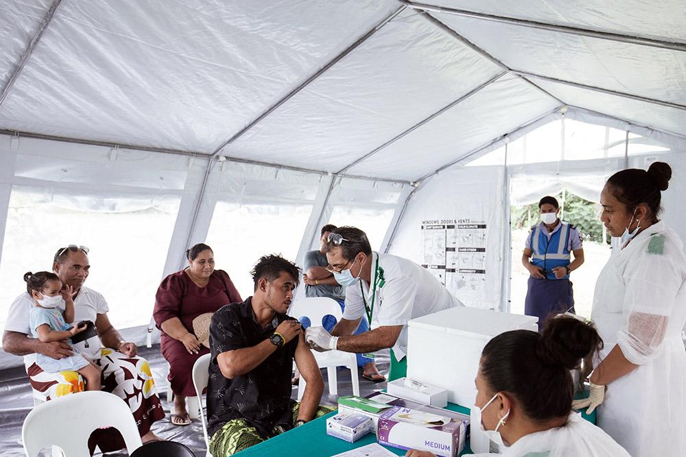 Rougeole: les îles Samoa toujours claquemurées, le gouvernement mobilisé contre les anti-vaccins