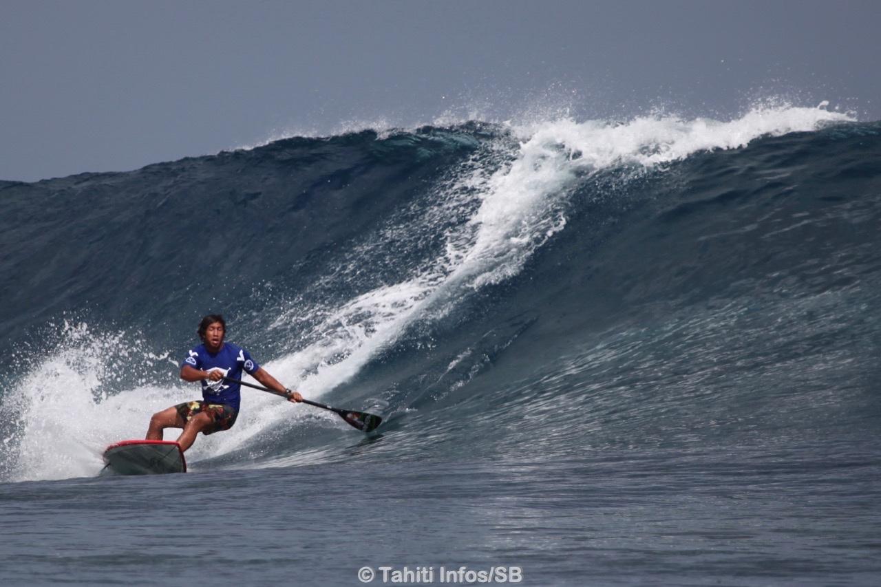 Poenaiki Raioha, un waterman polynésien