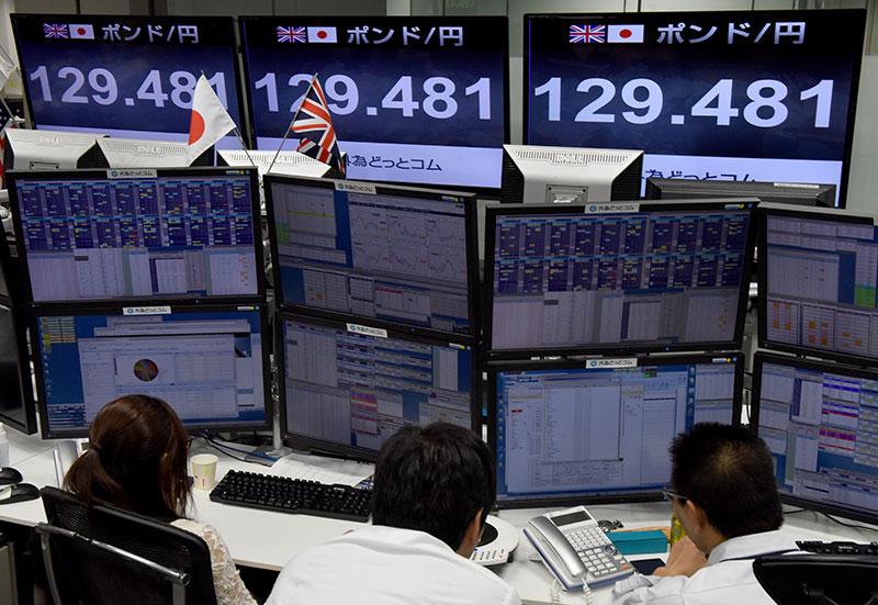 L'économie mondiale menacée de lente asphyxie, malgré les espoirs de trêve commerciale