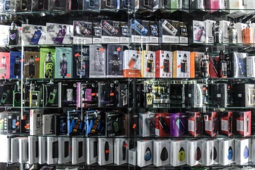 Interdiction partielle des e-cigarettes aromatisées
