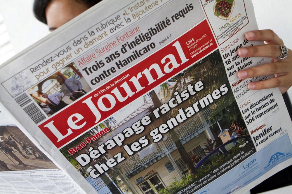 Macron promet de soutenir la presse d'outre-mer en difficulté