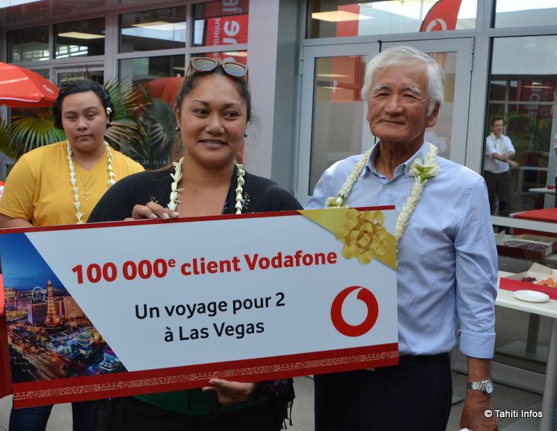 Lovina Barsinas, 100 000e cliente Vodafone, va partir 4 jours à Las Vegas !