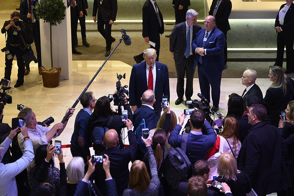 Après la Chine, Trump s'en prend aux Européens sur le commerce