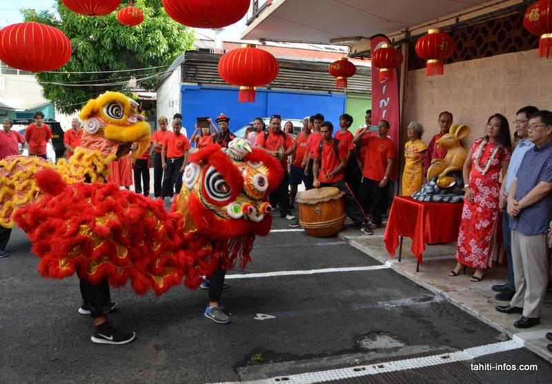Après le temple, les lions se sont rendus au Si Ni Tong