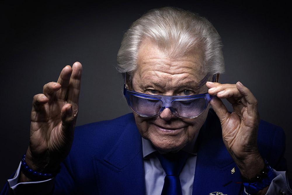 """Décès de """"Michou"""", célèbre directeur de cabaret parisien"""