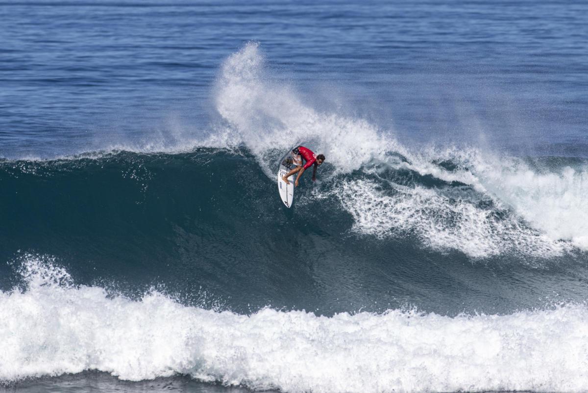 Kauli Vaast est également engagé au Volcom Pipe Pro, un QS 5000, qui doit débuter mercredi à Hawaii. photo WSL / CHLALA
