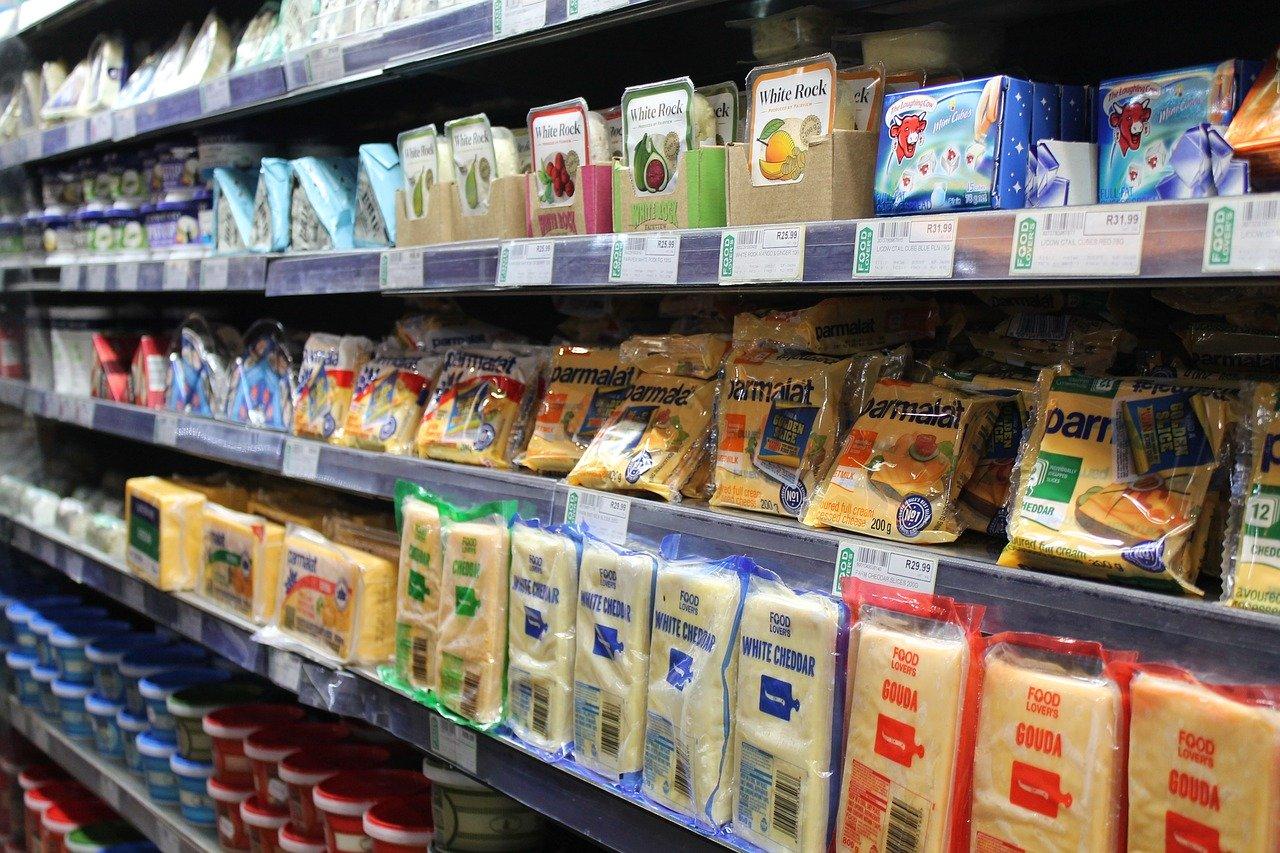 """Contre le gaspillage alimentaire, un """"pacte"""" sur les dates de consommation"""