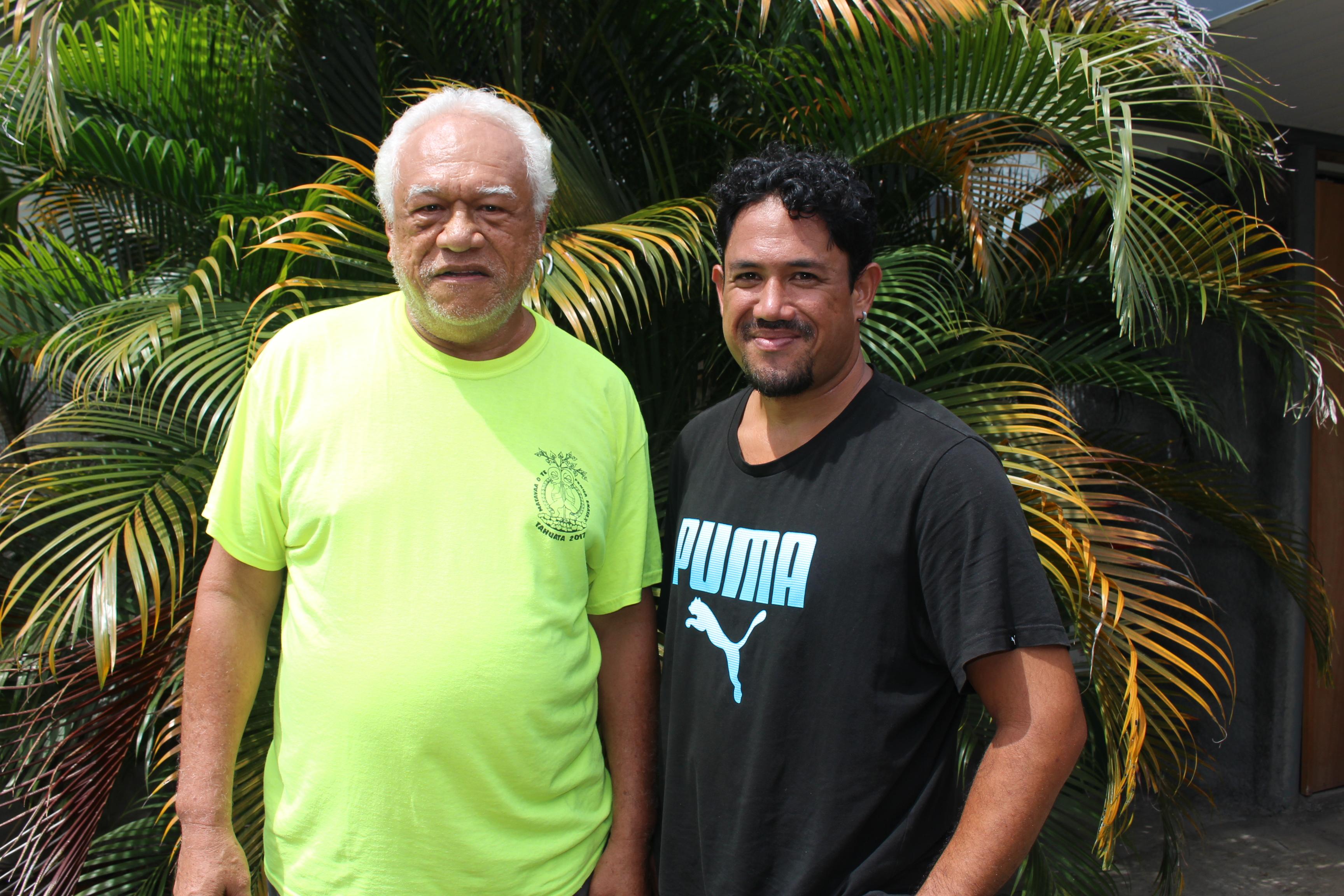 Edgar Tetahiotupa (à gauche) et Christian Chebret, artistes du groupe Pink Floyd Ma.