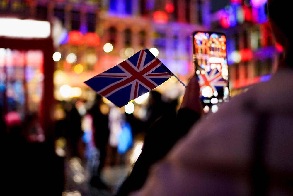 Brexit: l'UE tourne la page et met le cap sur les négociations avec Londres