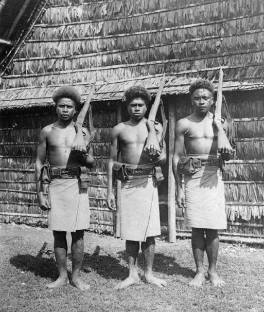 Trois membres de la police que Bell avait mis sur pied à Malaita afin de ramener un peu d'ordre et de mettre fin aux vendettas.