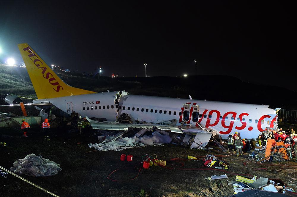 Turquie: trois morts dans l'accident d'avion à Istanbul