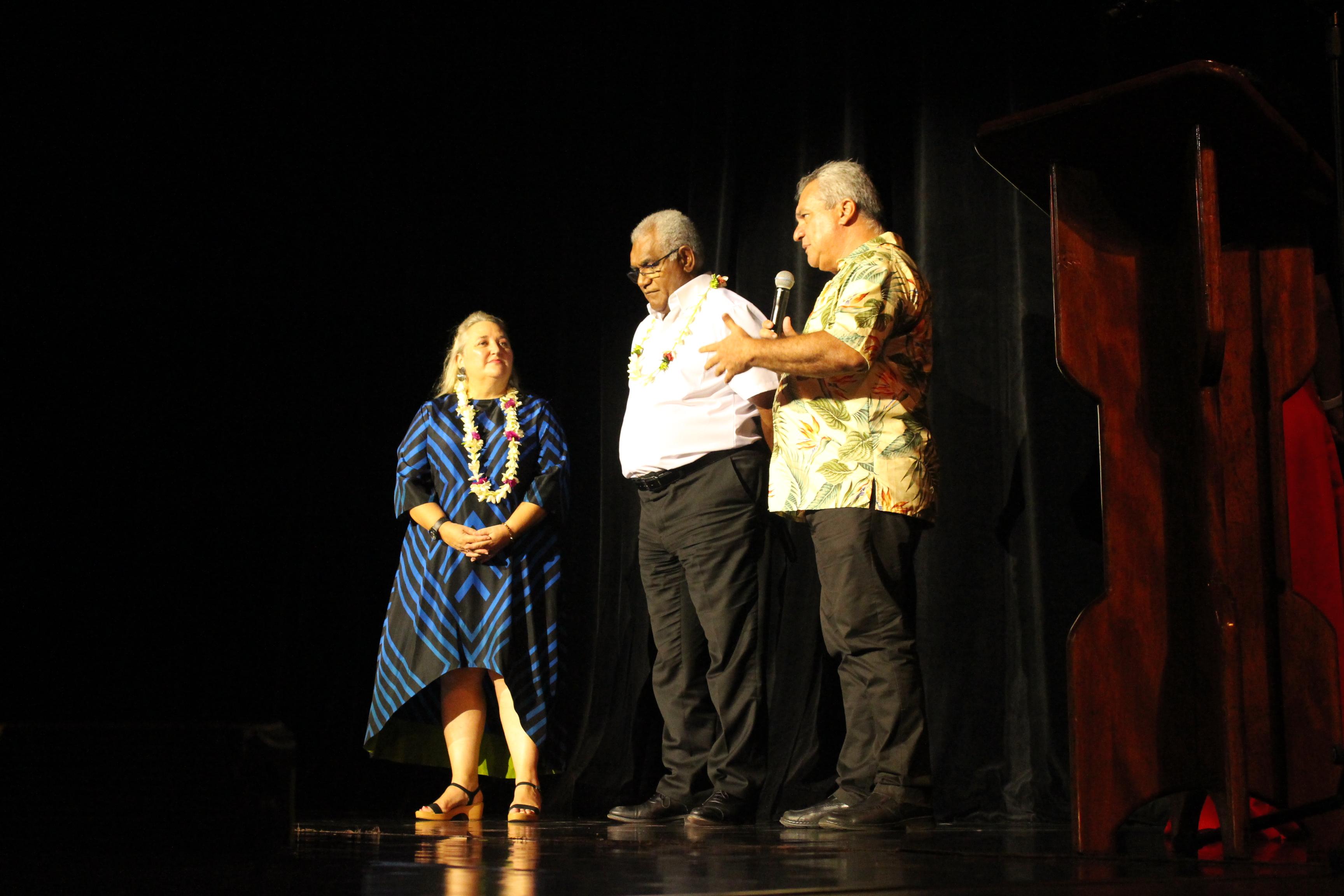 Estelle Berruyer, Walles Kotra et Heremoana Maamaatuaiahutapu.