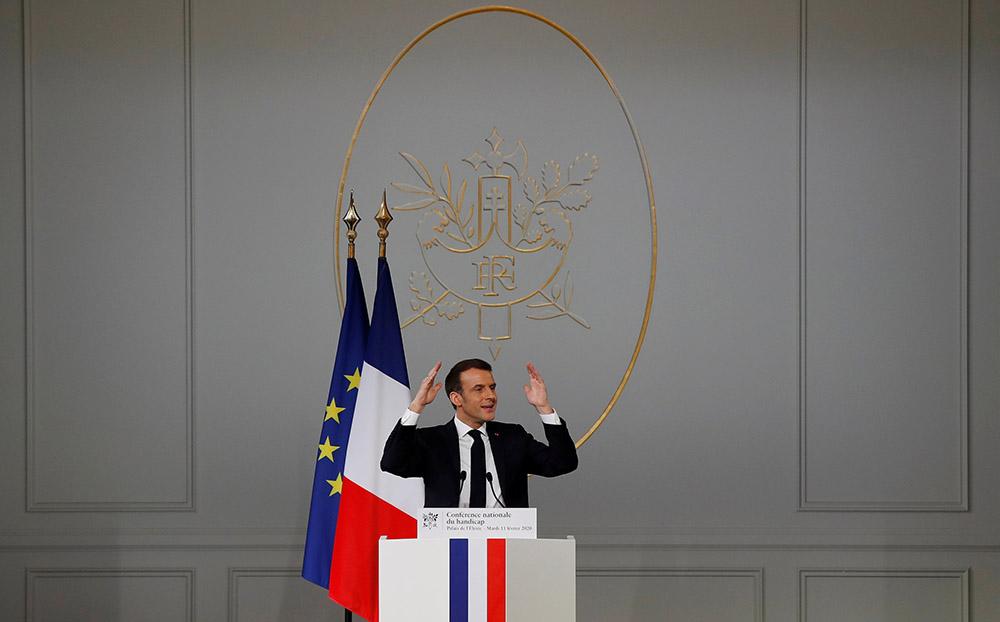 Macron reçoit à l'Elysée une majorité éprouvée