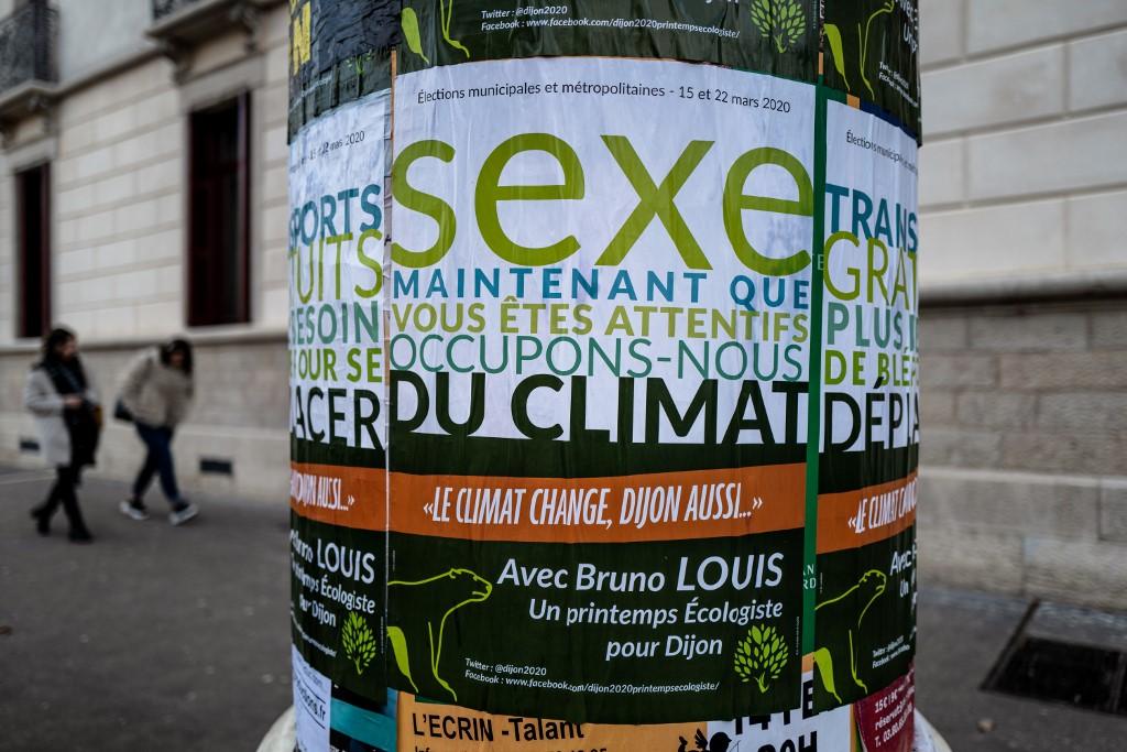 """Municipales: à Dijon, la stratégie du """"sexe"""" sur l'affiche de campagne"""